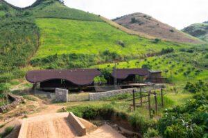 Kientruc O построили детский сад в горах