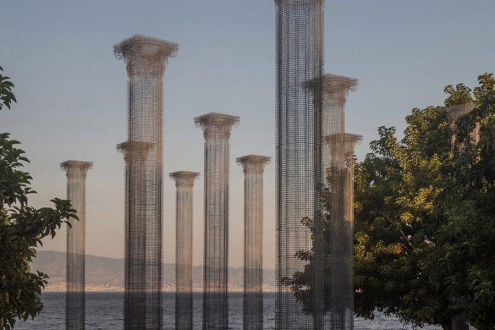 Эдоардо Тресольди возвел полупрозрачную колоннаду в парке Реджо-ди-Калабрии