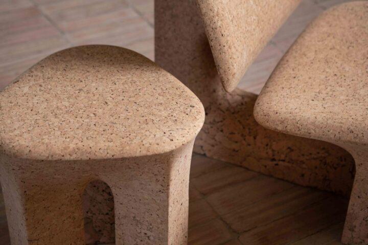 Ноэ Дюшофур-Лавранс создает мебель из выброшенной обожженной пробки