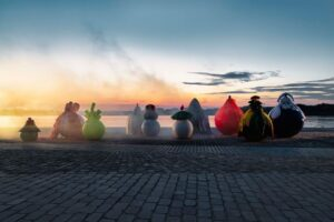 Новая инсталляция по случаю открытия выставки в Музее моды Антверпена
